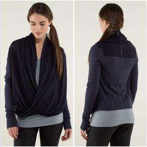 Lululemon Iconic Sweater Wrap in Cadet Blue / Black